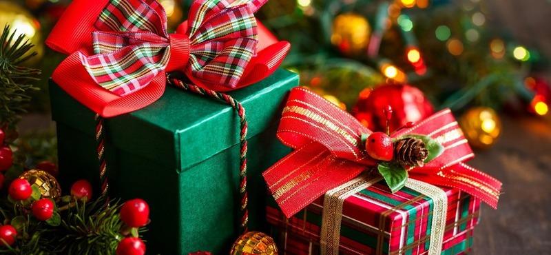 Как выбрать  новогодние подарки